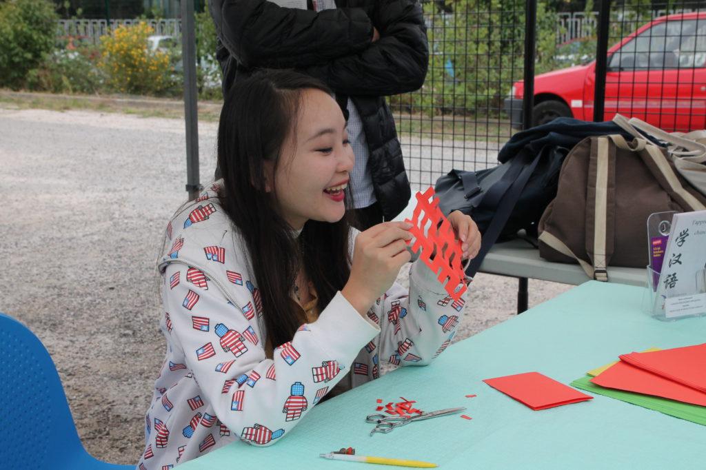 Atelier de papier découpé avec Liu Rui