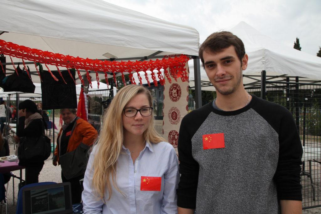 Les étudiants de retour de Chine ont partagé leurs expériences chinoises avec les visiteurs