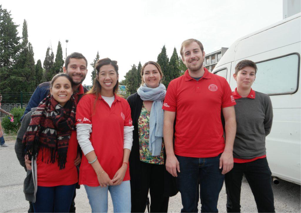 De gauche à droite: Sandrine, Loïc, Cécile, Mme Solange Cruveillé (coordinatrice pédagogique de l'accord avec l'Institut Franco-chinois), Marek et Juliette